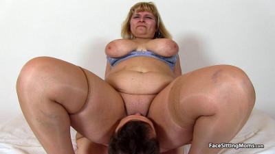 Face Sitting Moms + Bonus Scene