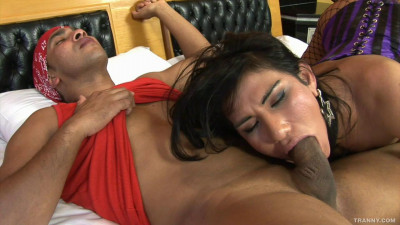 Lorena Smith Gets Tranny Ass Fisted