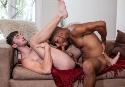 Self Sucker Dominic Santos breaks in Big Dicked Preston Cole