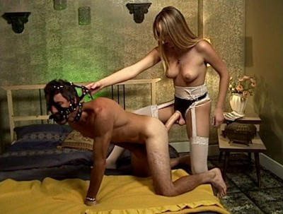 Strap on chicks - masters and servants Disk 1