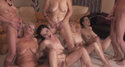 Matures Golden Shower Party
