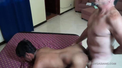 Daddy Fucks Hermis