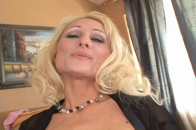Lonely Milf Ass Fucked By Horny Builder