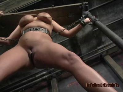Sasha In Cunt Rack