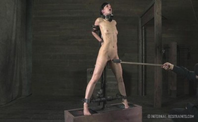 IRestraints - Elise Graves - Scream Test, Part 1
