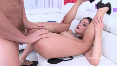 Piss drinking slut Valentina Blanco DAPed by 2 huge cocks