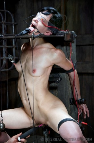 Infernal Restraints – Safe House – Elise Graves – Aug 30, 2013