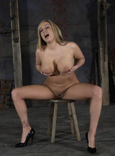 Big girl with nice shapes in BDSM