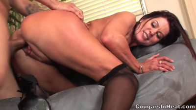 Mommy Seduced By Boy With Guitar (720) - 99 1
