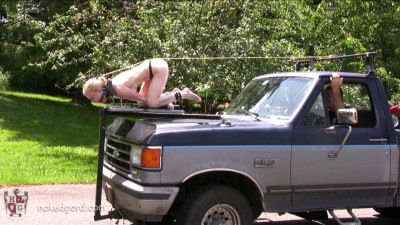 Houseofgord – Naked Hood Ornament – Eden Wells HD 2015