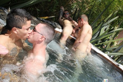 Group Outdoor Jacuzzi Orgy (GR 2011)