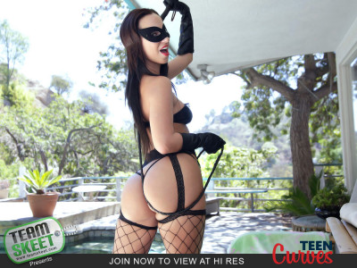 Jada Stevens - Thats A Good Kitty FullHD 1080p