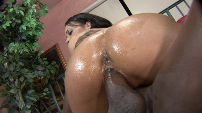 Fucking hot slut on the red couch