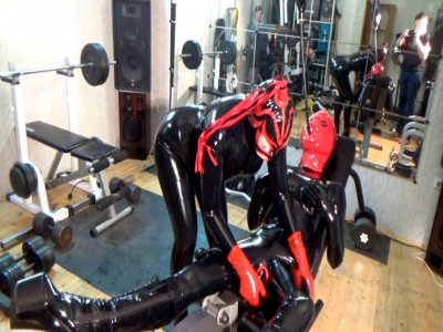 Sex girls in latex in the gym (2016)