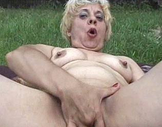 Edith 66 y.o - Granny Pleasures Herself