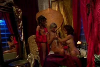 Threesome lesbian scene