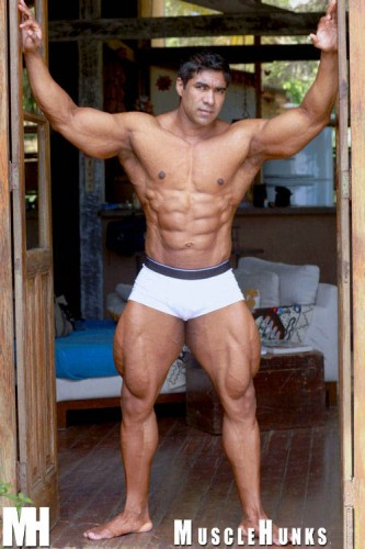 MuscleHunks - Jerome Manaus (2011)