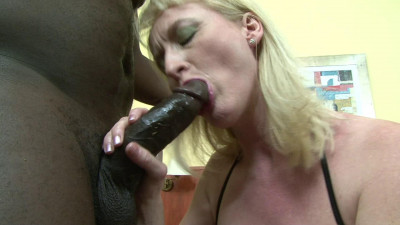 Busty mature is starving hoe who loves to take BBC in her ass