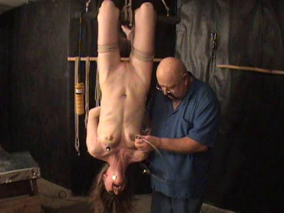 Extreme – Bound Slavegirl Gets Painfull Electric Pumping Nipples