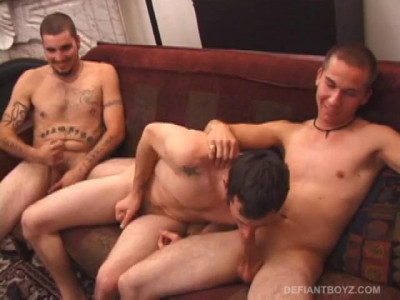 Straigh Boys Try Gay Threesome
