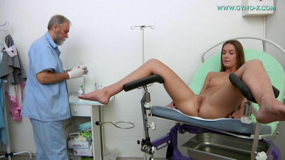 Alexis (21 years girl gyno exam)