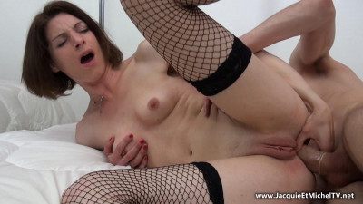 Sandrine offers a small sexual escapade!
