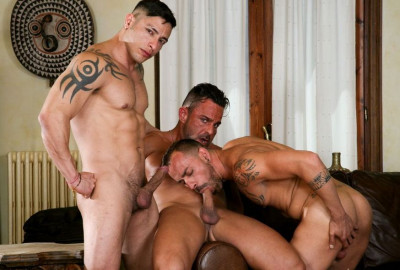 On The Prowl - Scene 2: Julio Rey, Alex Brando, Pablo Morant