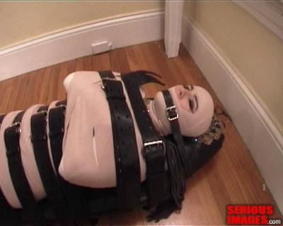 SI - Alice Egyption Mummification Bondage
