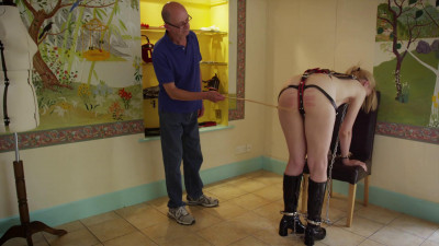 Pony Girl Ariel Anderssen, Michael Stamp, Hywel Phillips (2014)