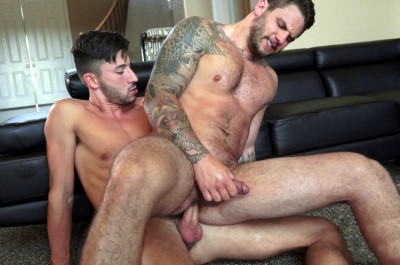Scott Demarco fucks Mike Rathburne's asshole (1080p)