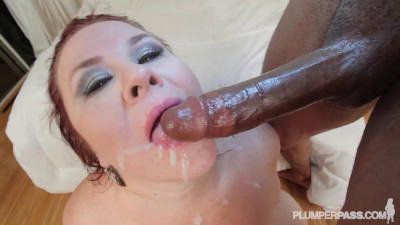 Lady Lynn - Shower and Pound Her