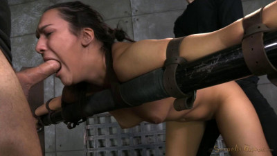 Paisley Parker Used Without Mercy From Both Ends In Strict Bondage (12 Des 2014)
