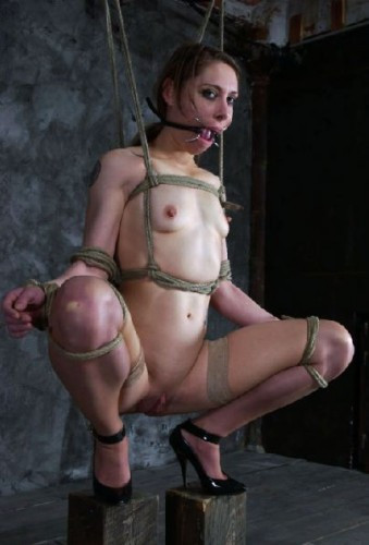 Hardtied - Laura - Apr 26, 2006