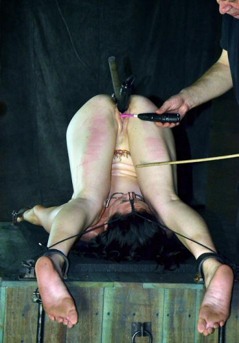 Slave torture for pleasure