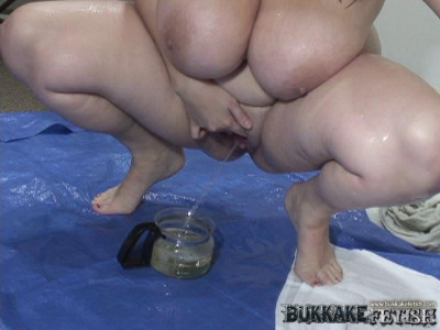 Huge Tits and A Piss Bath