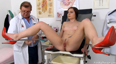 Cara (20 years girls gyno exam)