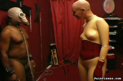 Mistress  did found an awkward exemple of a slave