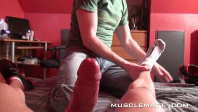 MuscleMatt - Carlo Pounds Chez