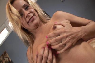Sexy Payton Takes A Sticky Anal Creampie