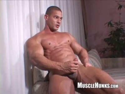 MuscleHunks – Claude Carroll Solo