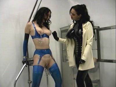 GwenMedia – Sessions 06 – Mistress Sandra & Anastasia Pierce