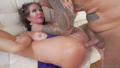 Busty MILF Veronica Avluv Gets Her Ass Pounded — Jan 09, 2017