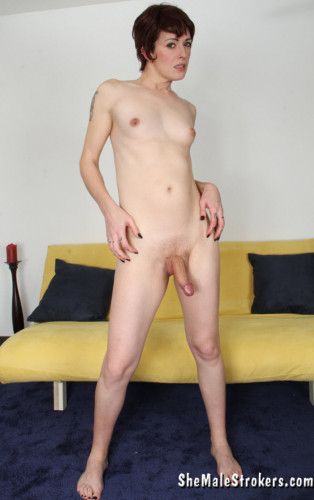 Evie Eliot Hot and Horny Trans Woman Has What You've Been Longing For!