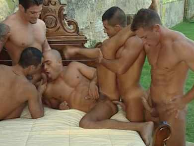 Muscle Men In Amazing Gangbang