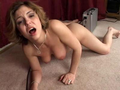 Sex machine fuck and she cums