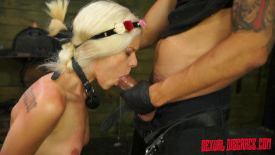 Halle Von Sexual Disgrace Hollering Hippy – February 25, 2016