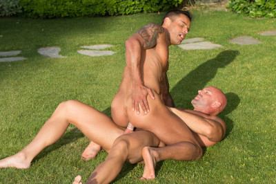 Description Trunks 8 Scene #03: Mitch Vaughn, David Benjamin