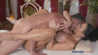 Jasmine Jae - George Massages Jasmine (2015)