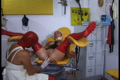 Katheter Geil Gepisst (latex and rubber medical) (2009)