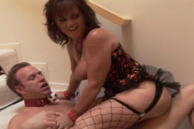 Kinky MILF Dominatrix Fucks Her Slave